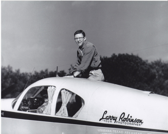 larryrobinsonplane